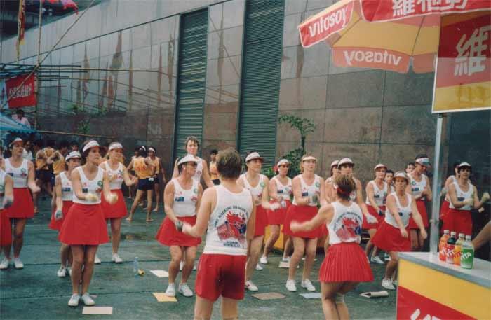 PH-Lillies-warmingupHK1987L